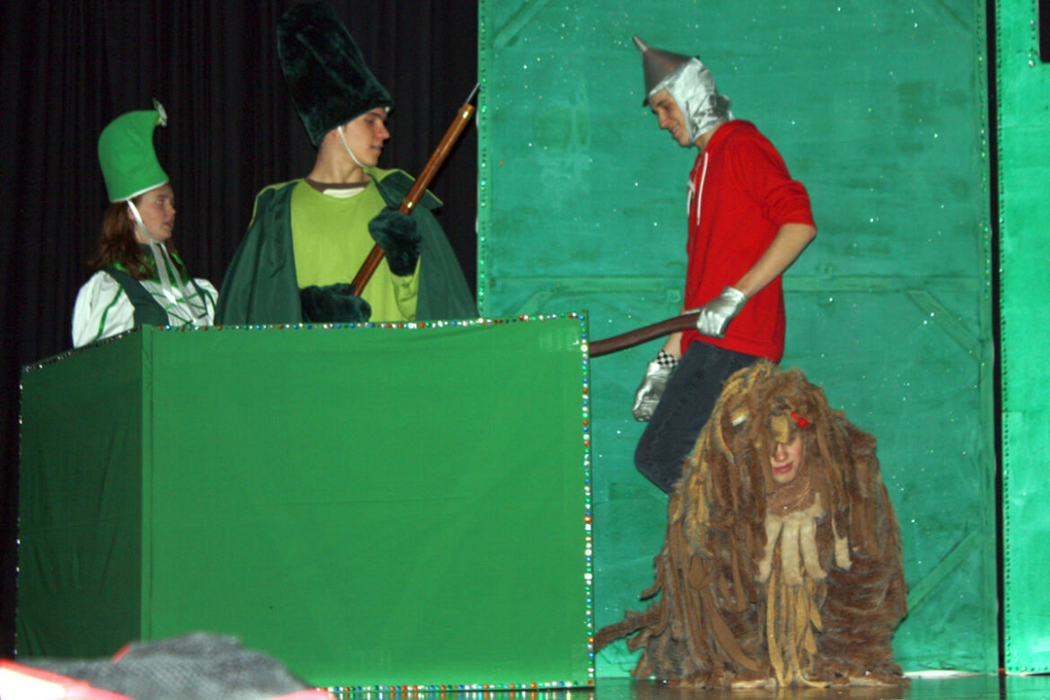 Lowry High School Drama to perform 'The Wizard of Oz'