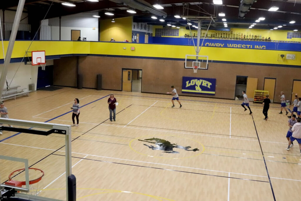PE students make use of the new gym floor./Clarissa Olson • The Brand