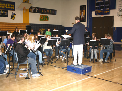 Lowry Music holds Christmas concerts throughout community