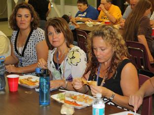 Hispanic Organization hosts lunch
