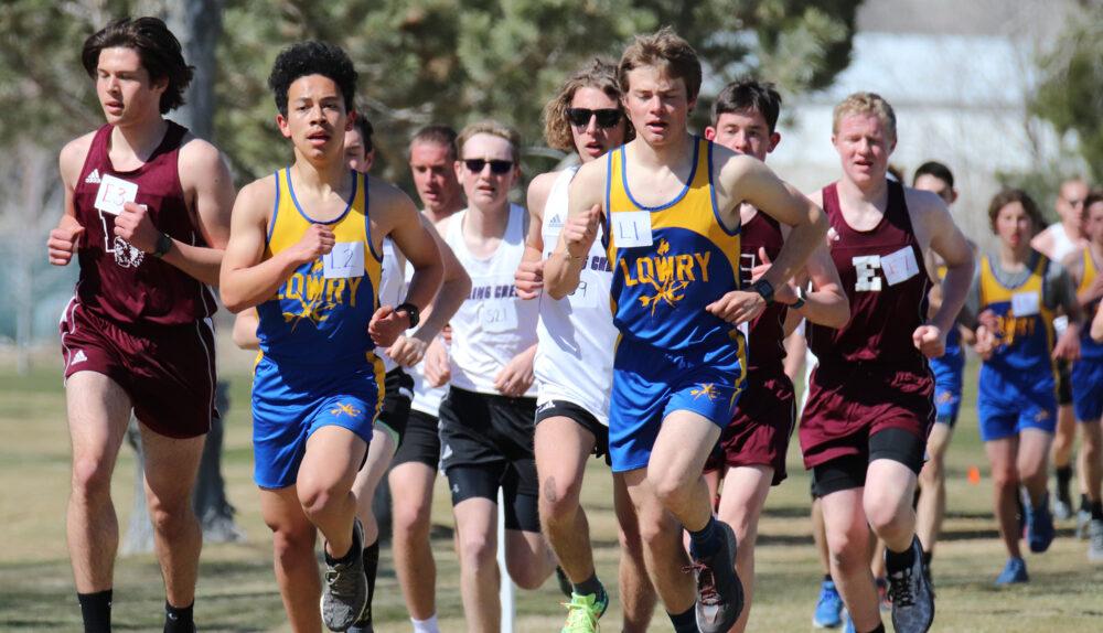 Tyler Morrison and Jeremy Walker start a race. /Lisa Scott • Winnada