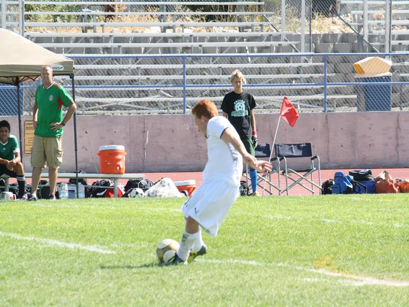 Boys soccer kicks off season