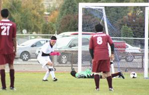 Boy's soccer wins back-to-back home games